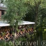 Restaurante Karczma Mlynska junto al rio Brda. Ciudad de BYDGOSZCZ. Region de Kuyavia- Pomerania. Polonia
