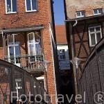 Edificios y puente de hierro sobre el rio Brda. Ciudad de BYDGOSZCZ. Region de Kuyavia- Pomerania. Polonia
