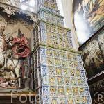 La Gran Estufa, de 12mts de altura. De 1545 por Georg Stelzener. Interior del Palacio del Rey Arturo. Calle Mercado Largo. Ciudad de GDANSK. Polonia