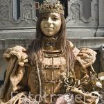 Chica maquillada en la Calle Larga. Ciudad de GDANSK. Polonia