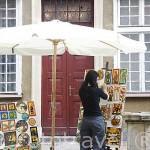 Terrazas y tiendas de venta de ambar. Calle de Mariacka. Ciudad de GDANSK. Polonia