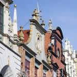 Edificios antiguos reconstruidos después de la Segunda Guerra Mundial en la calle Larga. Ciudad de GDANSK. Polonia.