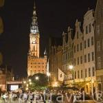 Calle Larga y la torre del Ayuntamiento. Ciudad de GDANSK. Polonia