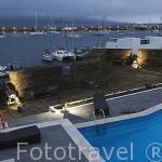 Vista de la piscina de la Pousada Santa Cruz en el interior de la fortaleza. Horta. Isla de FAIAL. Azores. Portugal