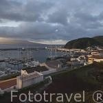 Vista del puerto deportivo y parte de la poblacion de Horta. Isla de FAIAL. Azores. Portugal