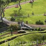 Jardines junto al rio. Poblacion de Ribeira Grande. Isla de SAO MIGUEL. Azores. Portugal