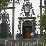 Iglesia barroca Bom Jessus da Pedra y jardines en la poblacion de Vilafranca do Campo. Isla de SAO MIGUEL. Azores. Portugal