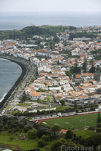 Vista de la ciudad de Horta desde el mirador de Nostra Senhora da Concepciao. Isla de FAIAL. Azores. Portugal