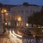 Calle principal al atardecer. Ciudad de Horta. Isla de FAIAL. Azores. Portugal