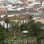 Vista de la ciudad de Angra do Heroismo desde el monumento a la Memoria de Pedro IV. Isla de TERCEIRA. Azores. Portugal