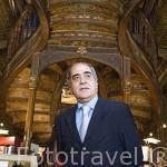 Antero Braga propietario de la antigua libreria Lello. Ciudad de OPORTO. Portugal