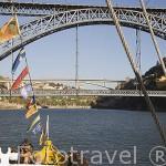 Paseo en barco por el rio Duero. Ciudad de OPORTO. Portugal