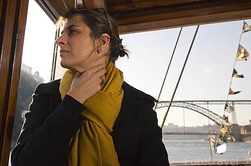 Paseo en barco por el rio Duero. Ciudad de OPORTO. Portugal. M.R 091