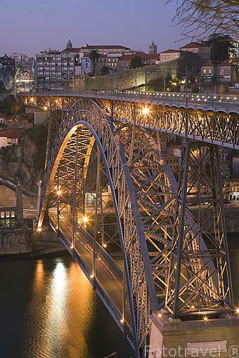 Puente de Luis I sobre el rio Duero. Ciudad de OPORTO. Portugal
