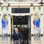 Teteria y cafeteria en la rua Formosa. Ciudad de OPORTO. Portugal
