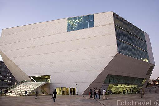 Casa da Musica. Inaugurado en 2005. Arquitecto Rem Koolhaas. Ciudad de OPORTO. Portugal