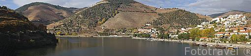 Pueblo de PINHAO junto al rio Duero. Zona de Cima Corgo. Portugal