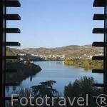Vista sobre el rio Duero desde el hotel y Spa Six Senses Douro Valley junto al rio Duero. Pueblo de SAMODAES. Portugal
