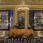 Interior del hotel Infante Sagres. En la plaza de Filipa Lancaster. Ciudad de OPORTO. Portugal