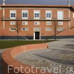 Moderno museo do Douro en la población de REGUA. Valle del Duero. Portugal
