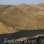 El rio Duero cerca de VILA NOVA DE FOZ COA. Valle del Duero. Portugal