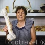 Dulce falico, tipico de las fiestas de Amarante asociados al culto pagano de San Gonzalo, patron de la ciudad. Población de AMARANTE. Portugal