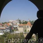 Vista sobre la ciudad y el rio Tamega desde el hotel Casa da Calzada. Población de AMARANTE. Portugal