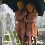 Escultura en una fuente en el jardin exterior. Hotel Casa da Calzada. Población de AMARANTE. Portugal