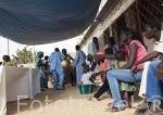 Familia reunida en un dia festivo, celebrando una comunion. Poblacion de Palmarin Sessere. Delta del Saloum. Senegal. Africa