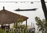Vista desde el hotel La Source aux Lamantins. Poblacion de Djilor. Delta del Saloum. Senegal. Africa