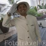 Empleado del Hotel Four Seasons. BANGKOK. Tailandia