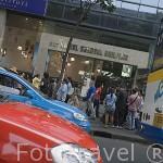 Calle comercial en el centro de BANGKOK. Tailandia