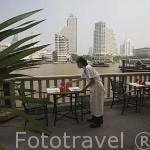 Restaurante junto al rio Chao Phraya del hotel The Peninsula. BANGKOK. Tailandia