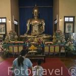Buda de oro de 5 Tn en el interior del templo de Wat Samjeentai (Wat Traimit Voraviharn). Ciudad de BANGKOK. Tailandia
