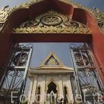 Templo de Wat Samjeentai (Wat Traimit Voraviharn). Ciudad de BANGKOK. Tailandia