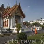 Jardines y el templo de Marmol (Wat Benchamabopitr). Ciudad de BANGKOK. Tailandia