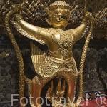 Estatuas en el exterior del templo del Buda Esmeralda. Complejo del Gran Palacio (1782). BANGKOK. Tailandia