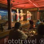 Espectaculo de teatro tailandes en la sala restaurante Piman. BANGKOK. Tailandia