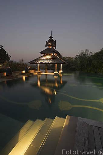 Piscina. Hotel Anantara Resort Spa Golden Triangle. Triangulo de Oro. Chiang Rai. Tailandia