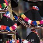 Gorros para jovenes de la tribu Akha. Chiang Rai. Tailandia