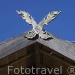 "Antiguo amuleto ""Kalae"" en la fachada de una casa. Poblado de KEAW VUA DAM. Chiang Rai. Tailandia"