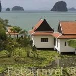 Paisaje desde la isla de KO LANTA y casas. Mar de Andaman. Tailandia