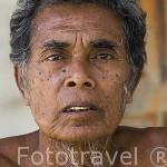 Pescador gitano musulman cerca BAN KO LANTA (BAN SI RAYA, Ciudad Vieja). Isla de Ko Lanta. Tailandia