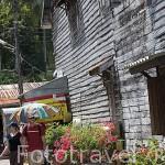 Tiendas y antiguas casas de madera en la Ciudad Antigua, BAN KO LANTA (BAN SI RAYA). Isla de Ko Lanta. Tailandia