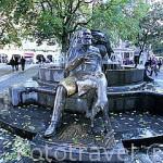 Fuente en la plaza de Grand Sablon. Ciudad de BRUSELAS. Belgica