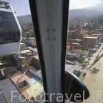 El metrocable y sus cabinas unen las estaciones de Acevedo con el barrio alto de Santo Domingo Savio. MEDELLIN. Departamento de Antioquia. Colombia