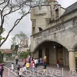 Museo del Castillo. Escuela de niños y profesores. MEDELLIN. Departamento de Antioquia. Colombia