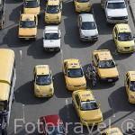 Trafico de taxis y otros vehiculos a motor. MEDELLIN. Departamento de Antioquia. Colombia