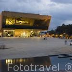 El Parque de los Deseos. Detras el edificio del Palacio de la Musica. MEDELLIN. Departamento de Antioquia. Colombia