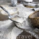 Cociendo patatas en sal. Restaurante Funsipa. ZIPAQUIRA. Colombia